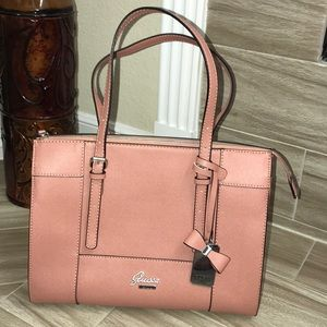 Guess purse LIKE NEW! USED ONCE!!!!